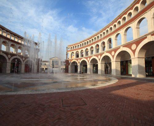 """""""Florentia Village"""" JingJin Outlets"""