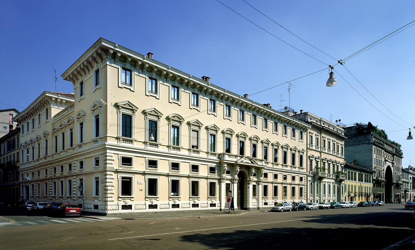 M nchener r ck italian hq progetto cmr massimo roj for Antonio citterio architetto
